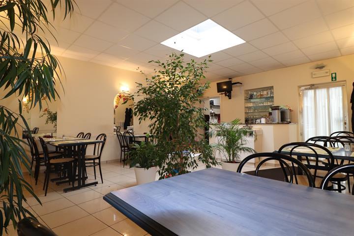 Immeuble mixte - Saint-Nicolas - #3645754-8